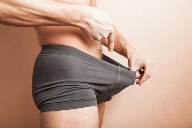 Боляче займатися сексом і чому болить член після статевого акту